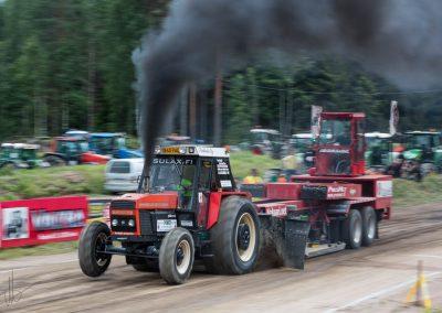 2016 07 10 - TractorPulling Inkeroinen - 0832