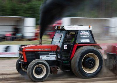 2016 07 10 - TractorPulling Inkeroinen - 0840