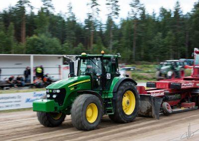 2016 07 10 - TractorPulling Inkeroinen - 0862